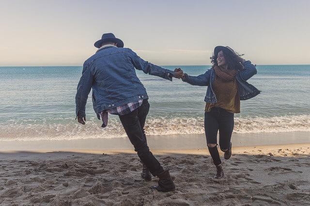 onnellinen ja vauras pariskunta